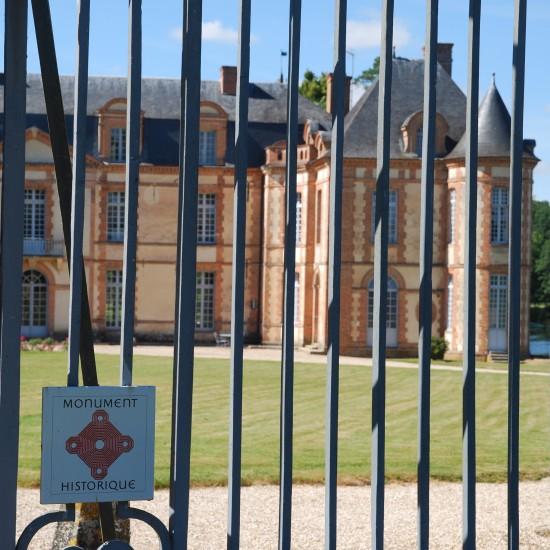 cha%cc%82teau-montigny-sur-avre-monument-historique